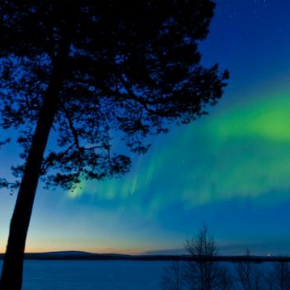 The Dancing Northern Lights - The Aurora